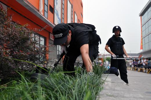 上海嘉定大润发超市发生爆炸 警方3小时破案